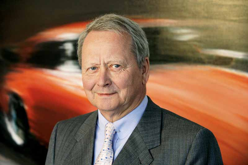 mr-oliver-blume-to-chairman-of-the-board-of-porsche-ag20151001-4
