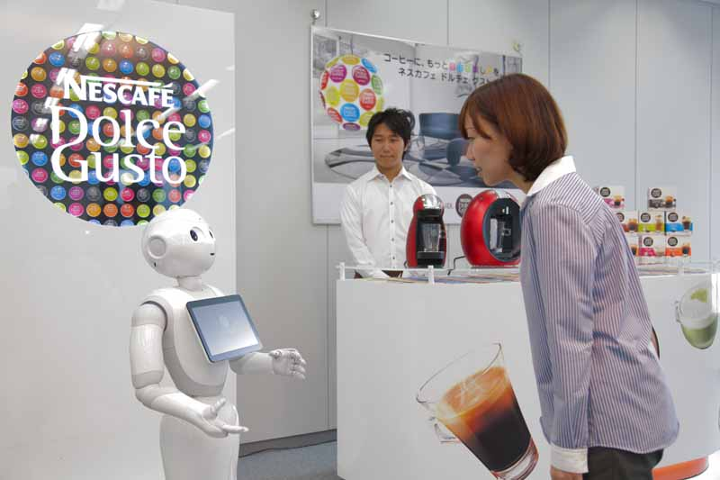 nissan-and-100-units-softbank-of-humanoid-robot-pepper-the-dealer-introduction20151020-2
