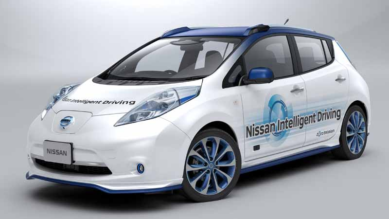 nissan-motor-co-started-a-public-road-experiment-capable-of-automatic-operation-of-up-to-general-road-from-highway20151030-1