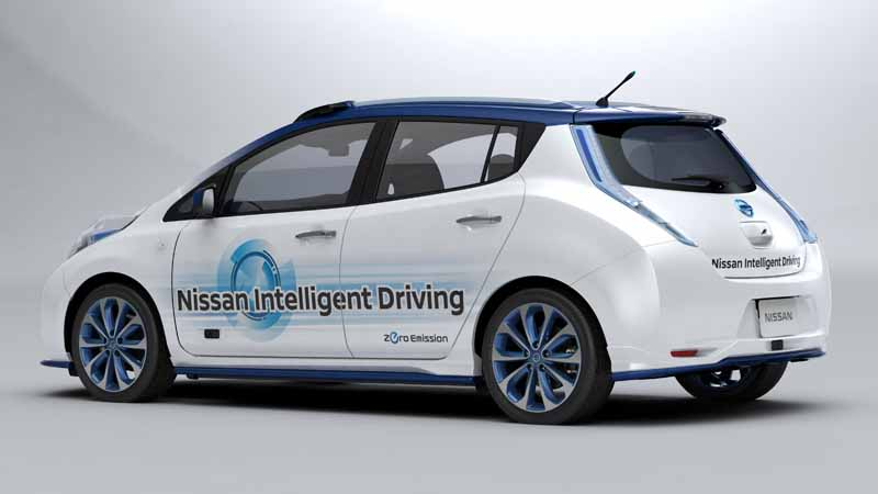 nissan-motor-co-started-a-public-road-experiment-capable-of-automatic-operation-of-up-to-general-road-from-highway20151030-4