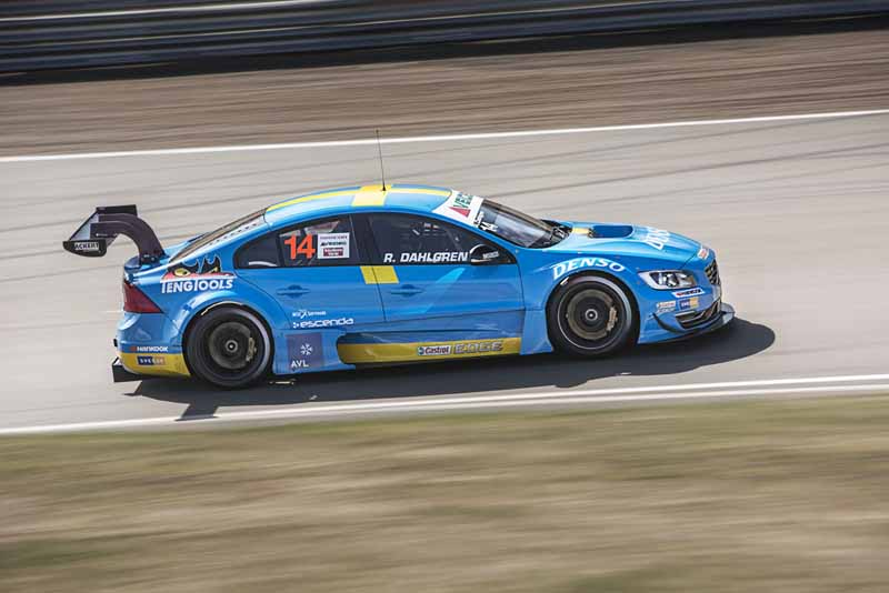 participated-paul-star-cyan-racing-in-wtcc20151017-11