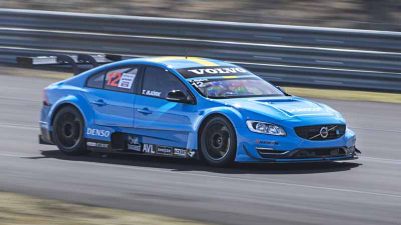 participated-paul-star-cyan-racing-in-wtcc20151017-9