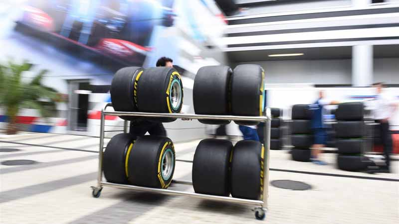 pirelli-signed-a-commercial-agreement-of-formula-one-until-201920151014-10