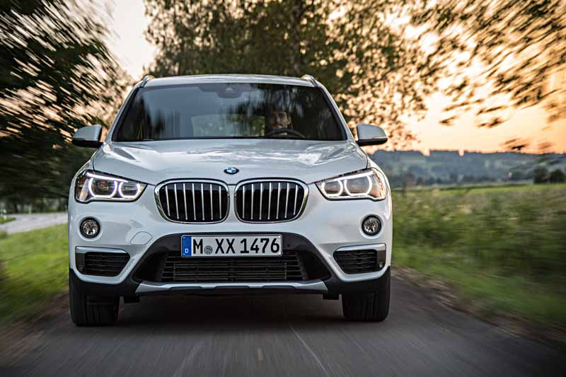 sales-start-from-presentations-and-1024-the-new-bmw-x120151016-1