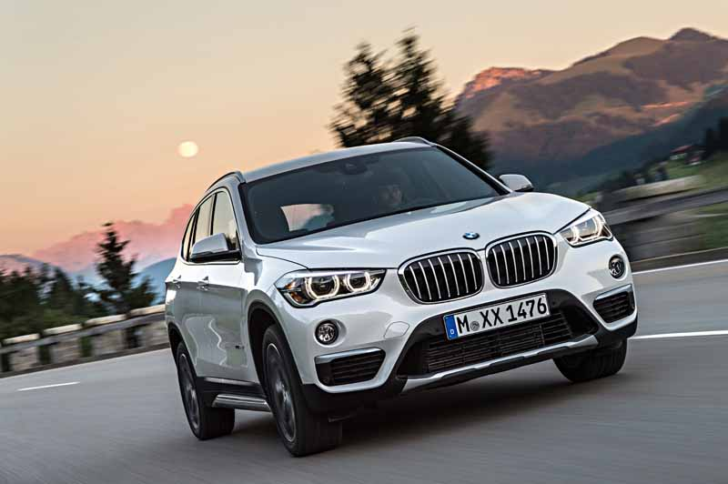 sales-start-from-presentations-and-1024-the-new-bmw-x120151016-12