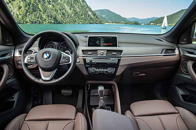 sales-start-from-presentations-and-1024-the-new-bmw-x120151016-7