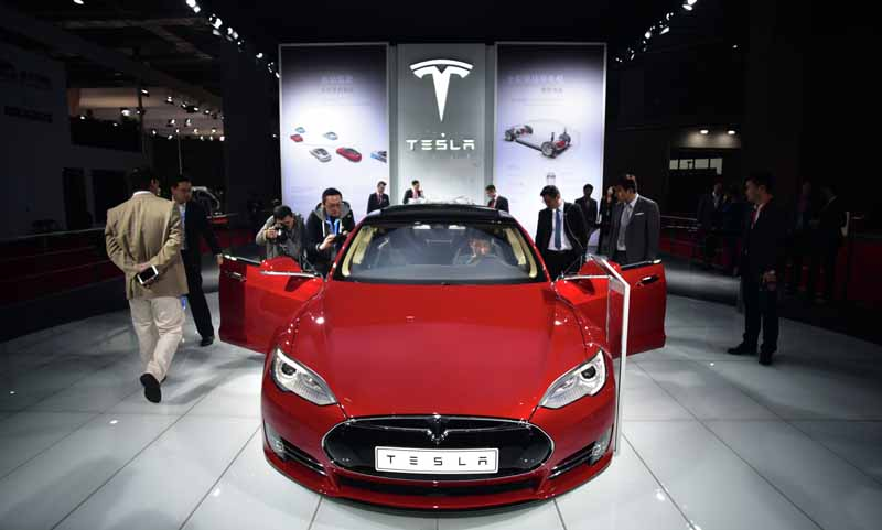 tesla-and-start-a-new-step-towards-automatic-operation-function-implementation20151017-20