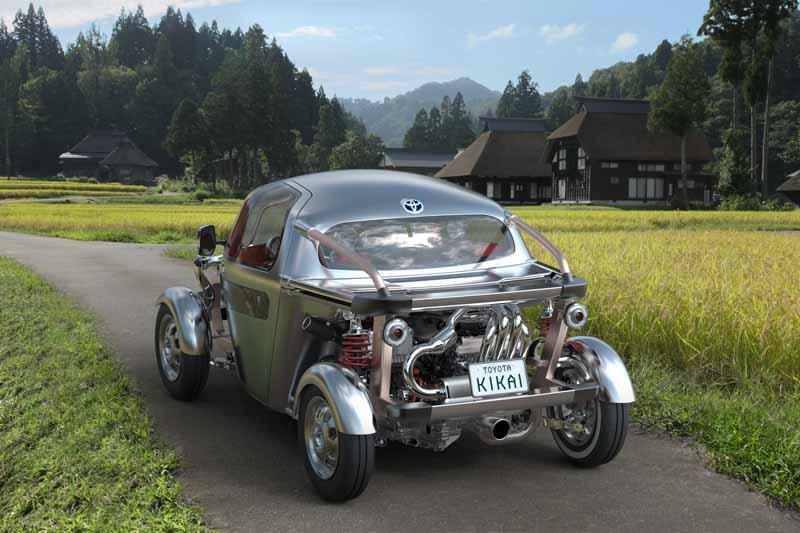 the-44th-tokyo-motor-show-2015-toyota-has-shown-attitude-to-the-future20151008-11