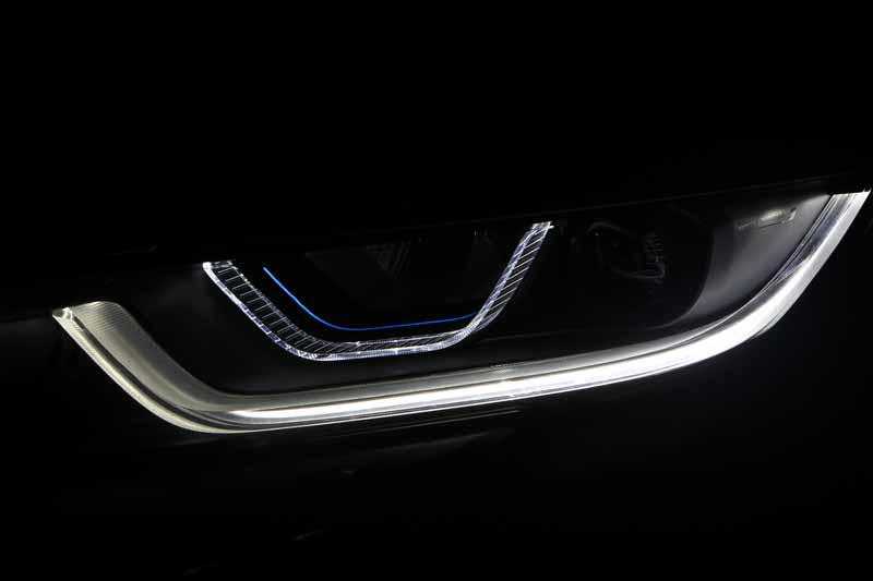 the-bmw-i8-introduced-the-next-generation-of-light-technology-bmw-laser-light20151014-4