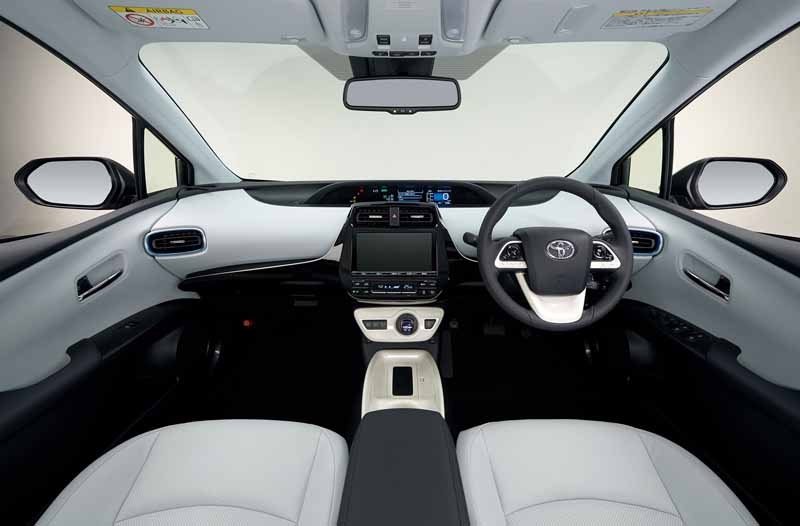 toyota-and-publish-the-advanced-technology-to-be-adopted-in-the-new-prius20151013-17