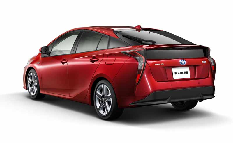 toyota-and-publish-the-advanced-technology-to-be-adopted-in-the-new-prius2015101319