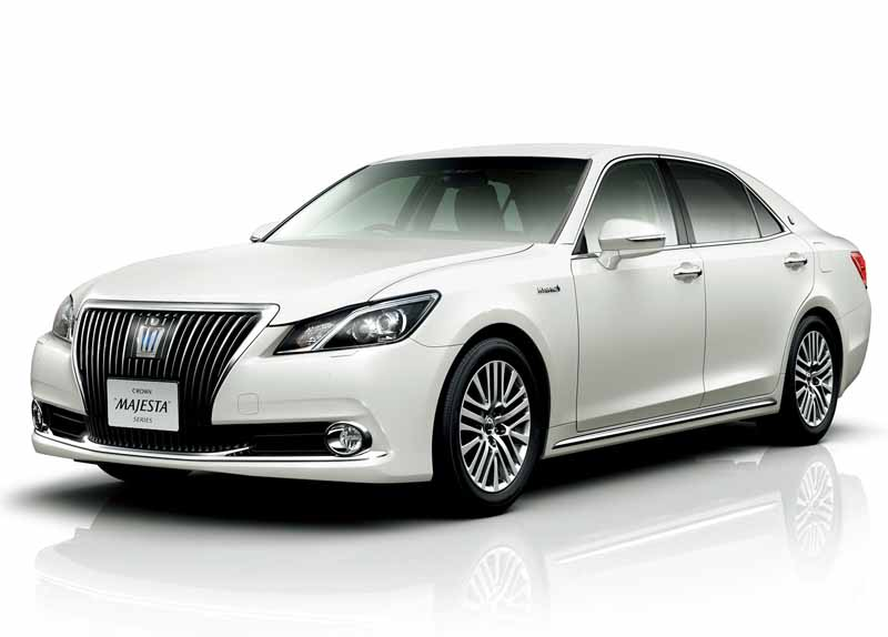 toyota-improved-crown-majesta-and-series20151001-13