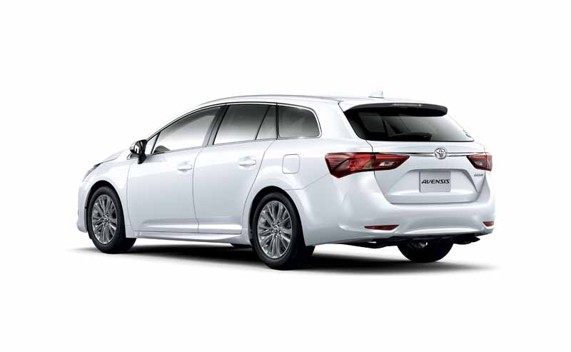 toyota-the-collision-avoidance-assistance-package-toyota-safety-sense-c-all-models-installed-in-the-avensis20151005-4