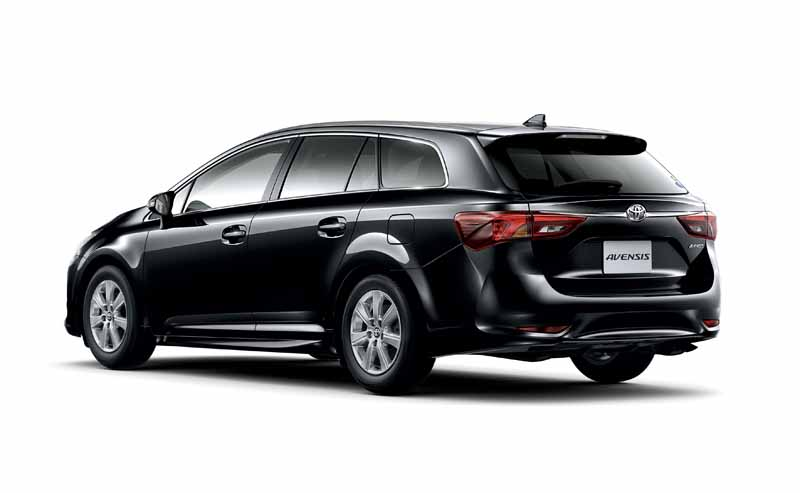 toyota-the-collision-avoidance-assistance-package-toyota-safety-sense-c-all-models-installed-in-the-avensis20151005-7