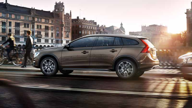 volvo-car-japan-the-new-volvo-v60-cross-country-release20151013-13