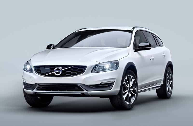 volvo-car-japan-the-new-volvo-v60-cross-country-release20151013-3