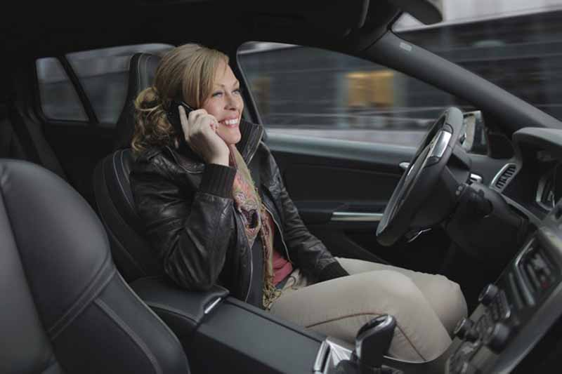volvo-safe-and-announced-the-driver-interface-of-advanced-automatic-operation-vehicles20151014-2