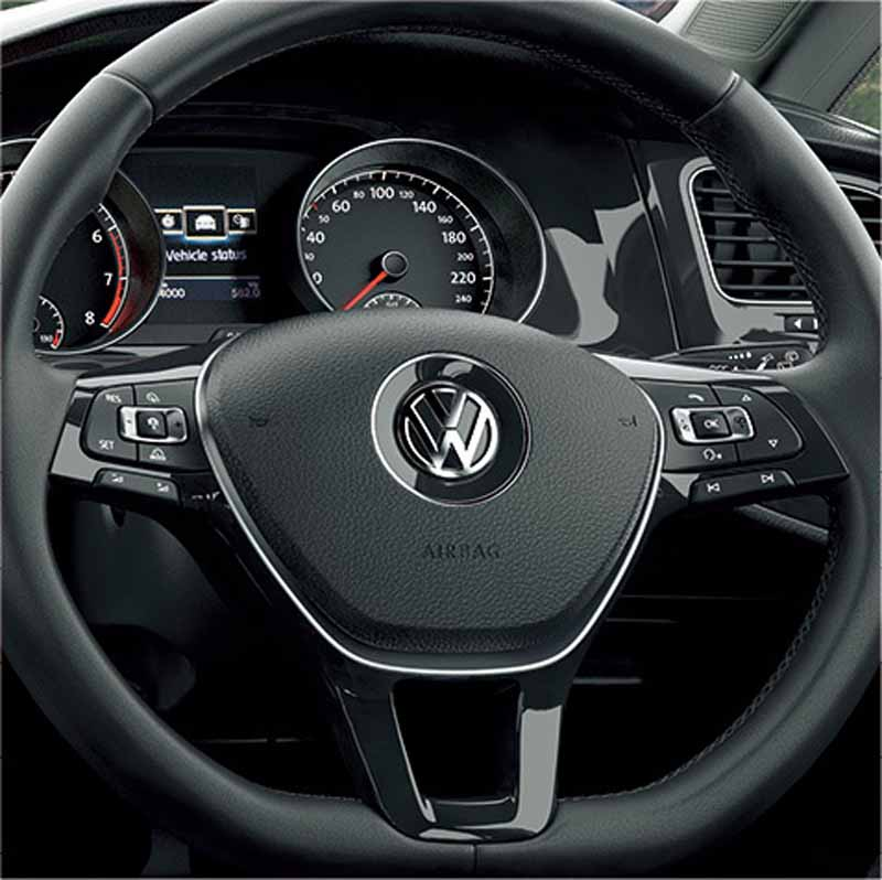 vw-20-anniversary-of-the-golf-variant-anniversary-edition-released20151013-3