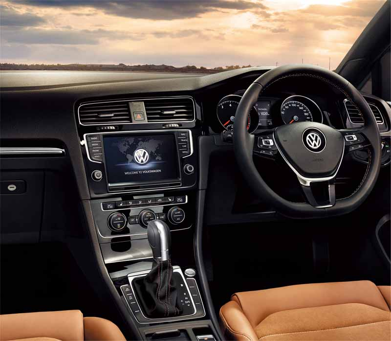vw-and-launched-a-special-limited-car-golf-milano-edition20151014-5