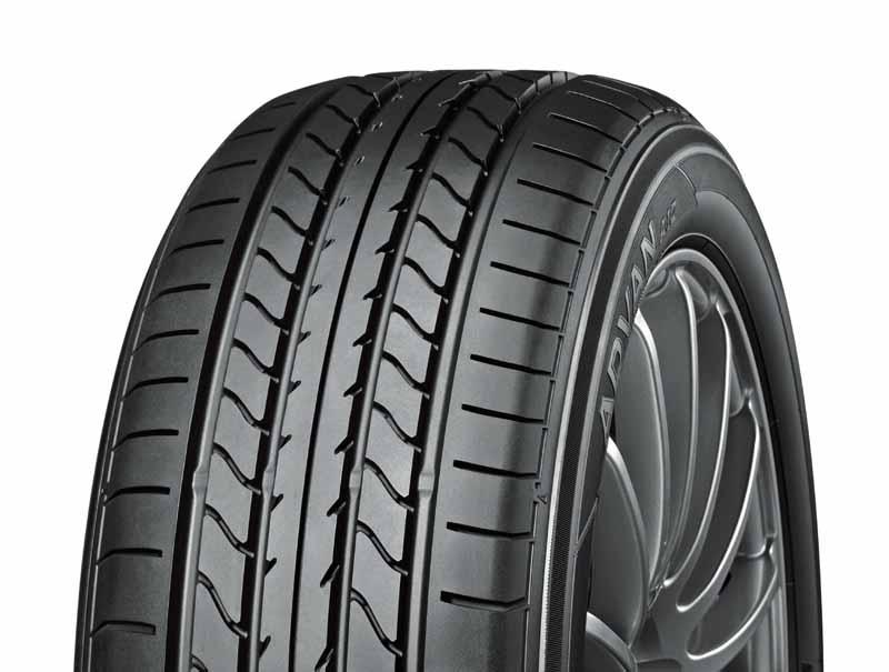 yokohama-tire-advan-is-new-automobiles-mounted-on-the-daihatsu-cast-sports20151030-1