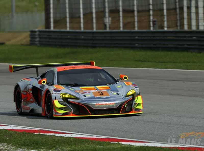 asian-le-mans-series-is-rob-bell-of-mclaren-gt-grab-the-victory-at-sepang-burning20151117-3