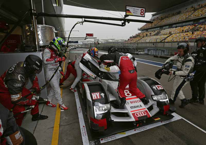 audi-carry-the-struggle-of-the-drivers-title-in-the-final-race-in-the-wec20151104-4