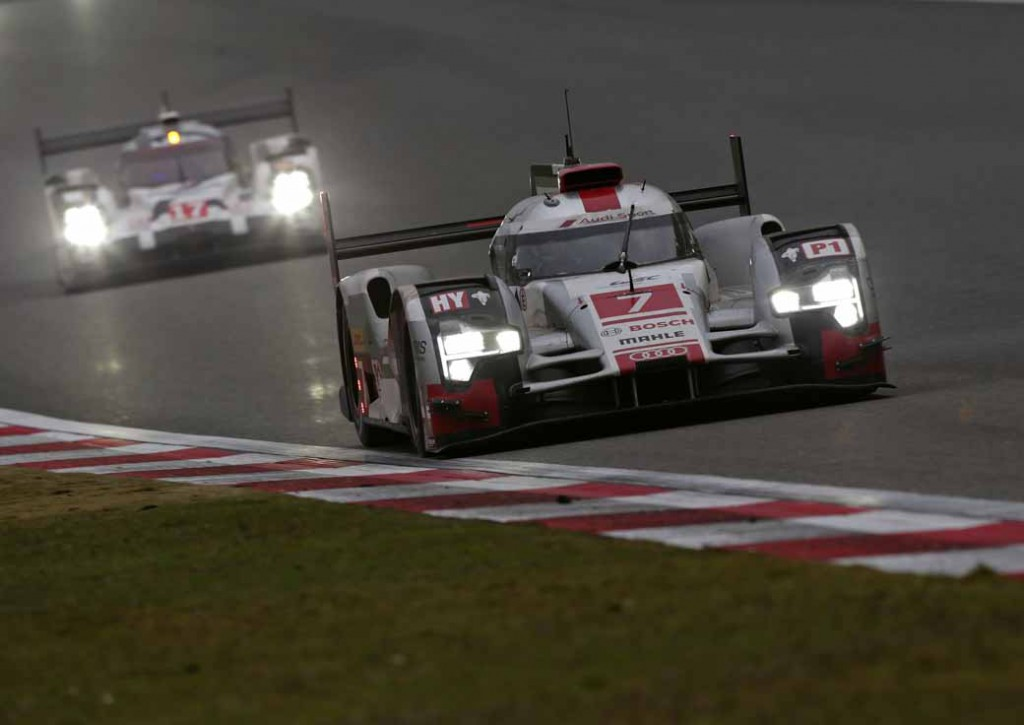 audi-carry-the-struggle-of-the-drivers-title-in-the-final-race-in-the-wec20151104-5