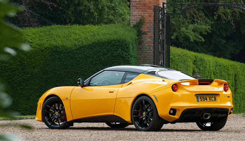 elsie-love-announced-the-lotus-of-the-new-evora-40020151110-1