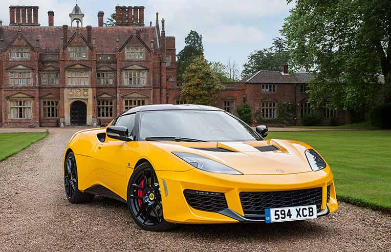 elsie-love-announced-the-lotus-of-the-new-evora-40020151110-12