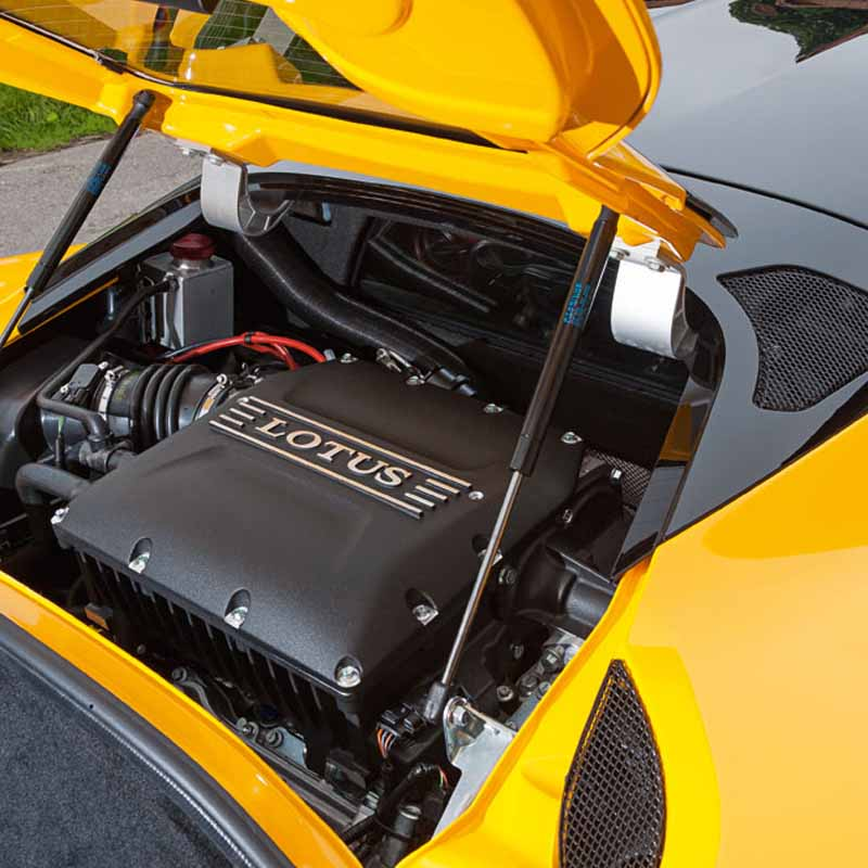 elsie-love-announced-the-lotus-of-the-new-evora-40020151110-13