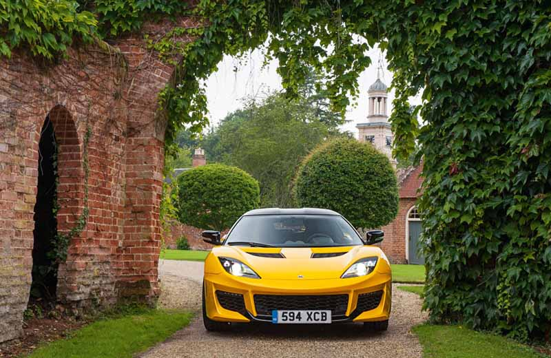 elsie-love-announced-the-lotus-of-the-new-evora-40020151110-15