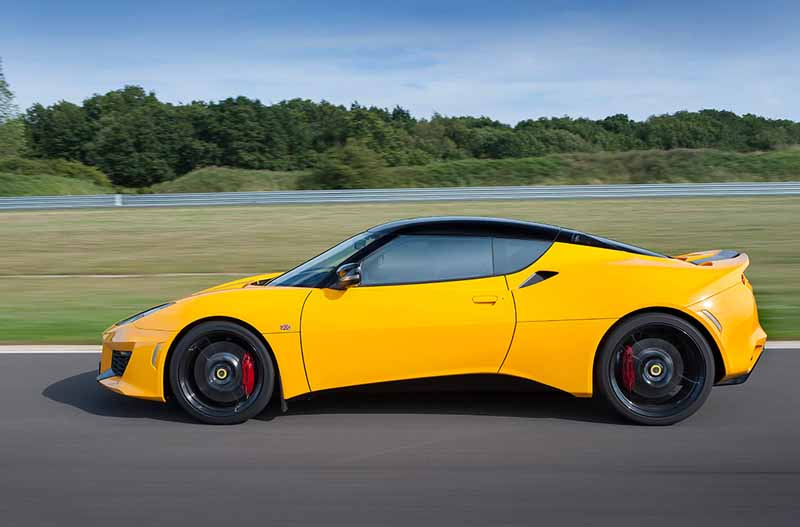 elsie-love-announced-the-lotus-of-the-new-evora-40020151110-5