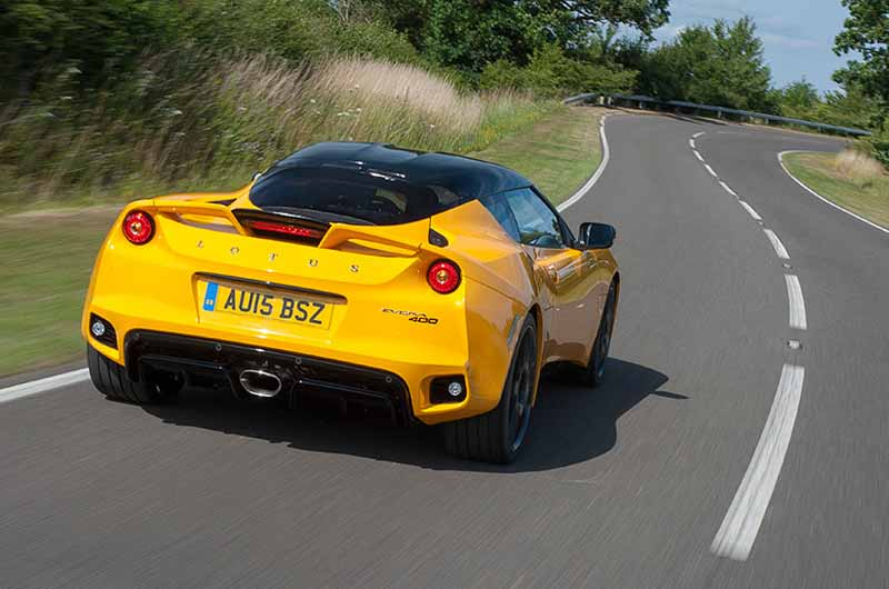 elsie-love-announced-the-lotus-of-the-new-evora-40020151110-6