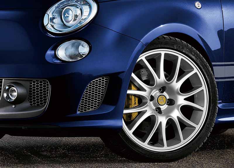 fca-japan-abarth-595-competizione-scorpio-and-200-units-limited-release-the20151105-16