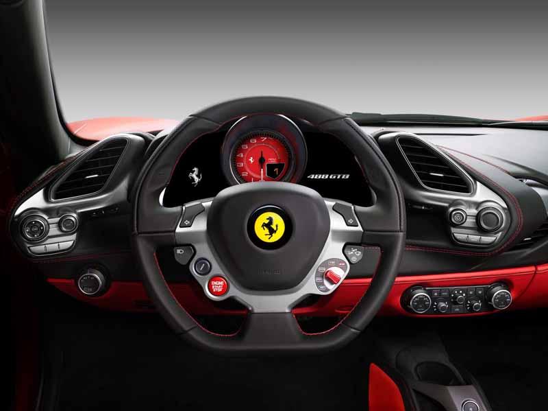 ferrari488gtb-was-awarded-the-golden-steering-wheel-award20151128-2