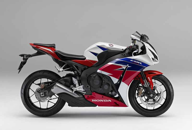 honda-change-and-release-of-body-color-specifications-of-the-cbr1000rr-and-the-cbr1000rr-sp20151127-2