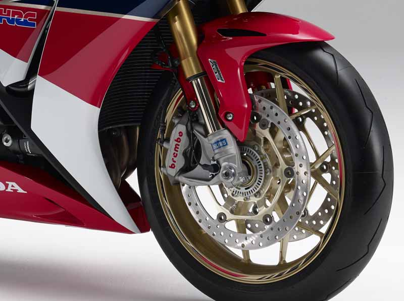 honda-change-and-release-of-body-color-specifications-of-the-cbr1000rr-and-the-cbr1000rr-sp20151127-3