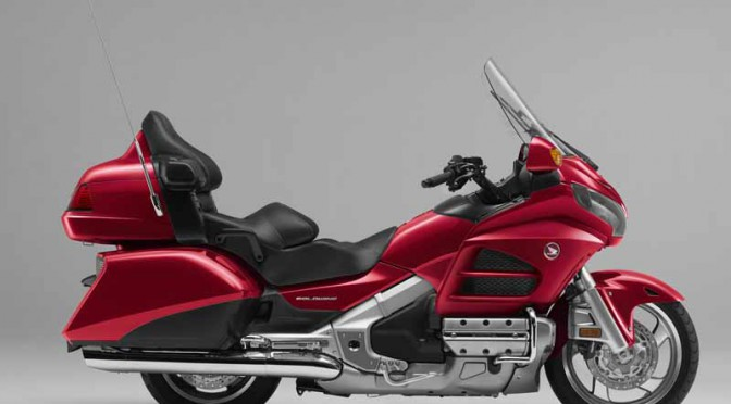 honda-color-ring-renewal-of-the-large-two-wheeled-cruiser-gold-wing20151124-1