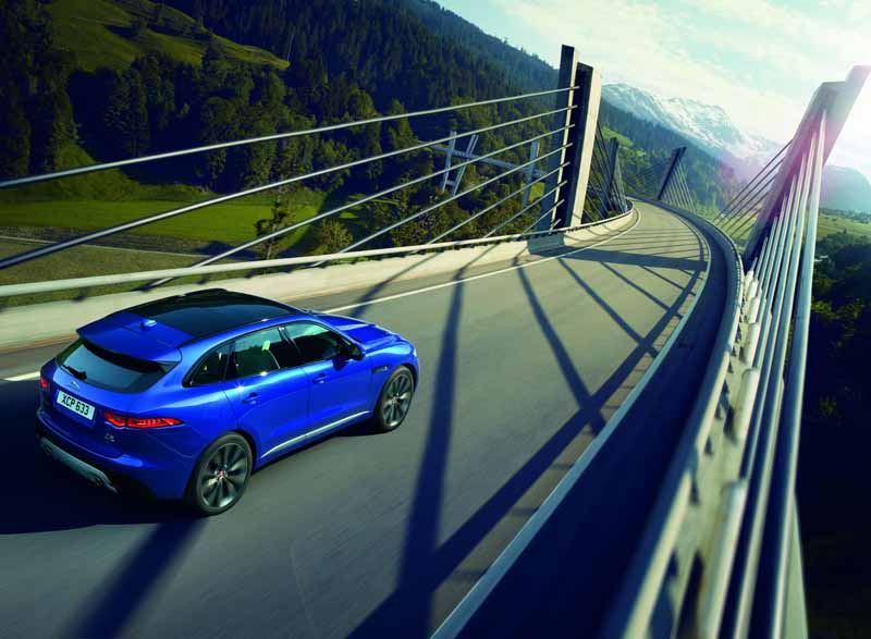jaguars-first-superlative-suv-f-pace-first-edition-50-cars-futures-orders-start20151102-10