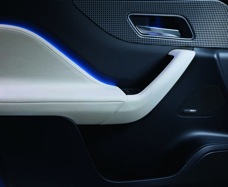 jaguars-first-superlative-suv-f-pace-first-edition-50-cars-futures-orders-start20151102-2