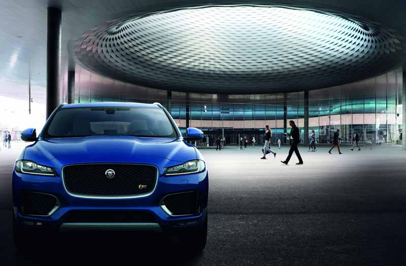 jaguars-first-superlative-suv-f-pace-first-edition-50-cars-futures-orders-start20151102-6