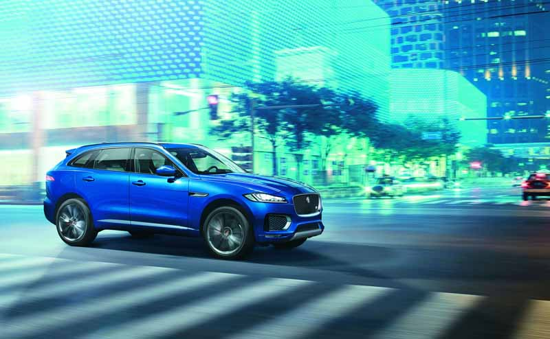 jaguars-first-superlative-suv-f-pace-first-edition-50-cars-futures-orders-start20151102-9