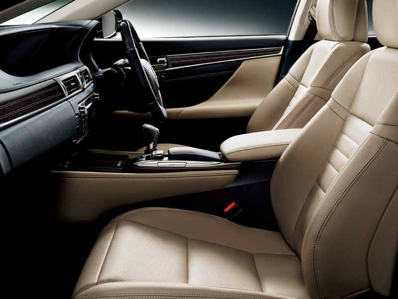 lexus-and-minor-changes-the-gs-to-improve-the-skeletal-rigidity-and-premium-feeling-both20151125-30
