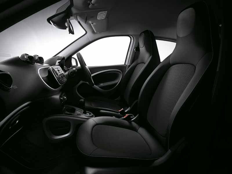 mercedes-benz-japan-announced-a-new-smart-fortwo-forfour20151101-11