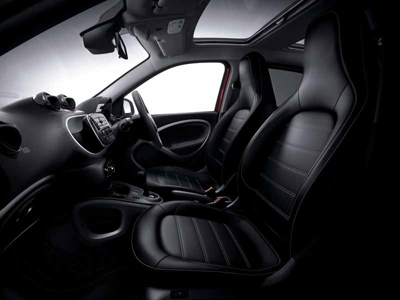 mercedes-benz-japan-announced-a-new-smart-fortwo-forfour20151101-21
