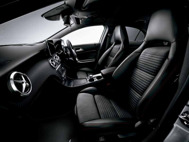 mercedes-benz-japan-announced-the-new-a-class20151127-10