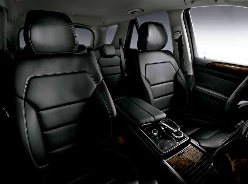 mercedes-benz-japan-the-gle-domestic-input20151101-1