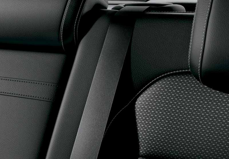 mercedes-benz-japan-the-gle-domestic-input20151101-14