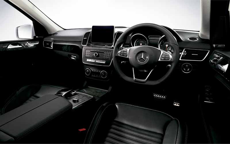 mercedes-benz-japan-the-gle-domestic-input20151101-2