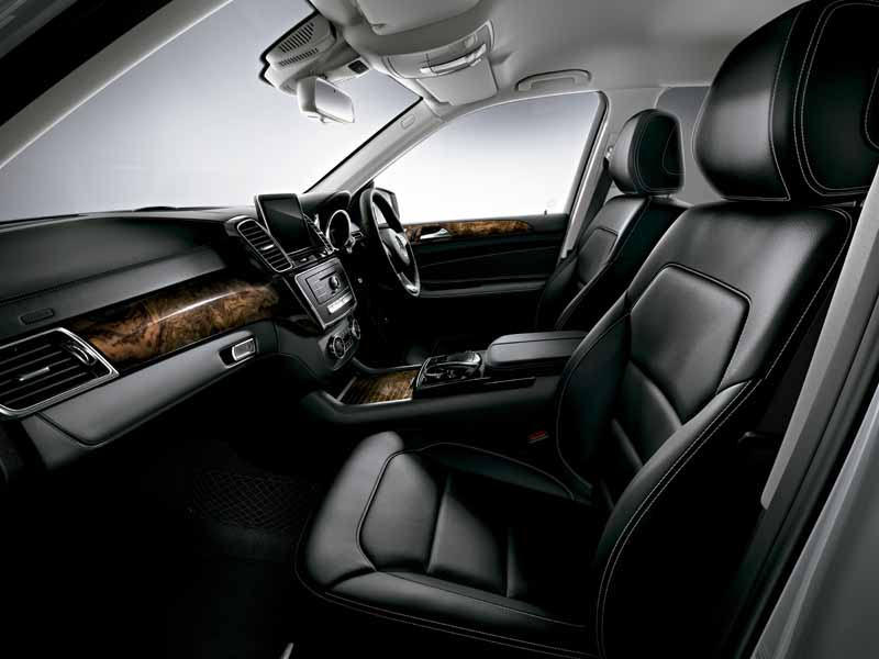 mercedes-benz-japan-the-gle-domestic-input20151101-7
